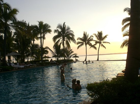 Sugar Beach Resort & Spa:                   Pool and beach