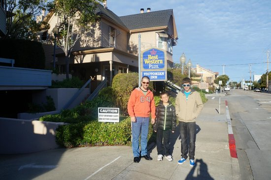 BEST WESTERN PLUS Victorian Inn: Only two blocks from Cannery Row