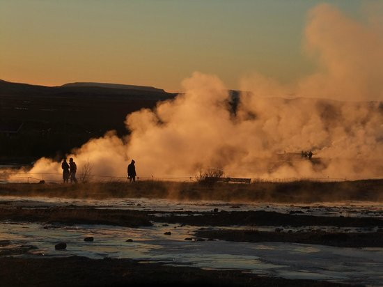 ‪‪Hotel Ranga‬: Geysir at dawn‬