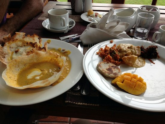 Mount Lavinia Hotel:                   Breakfast!