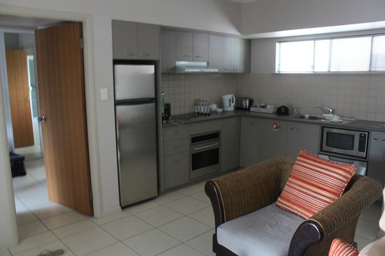 Southern Cross Atrium Apartments:                   kitchen area