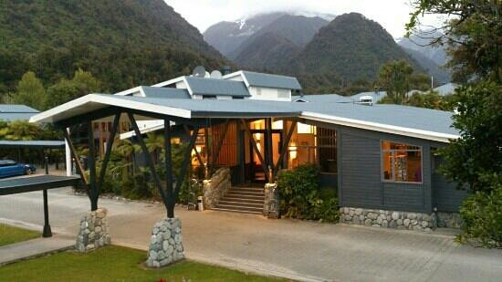 Scenic Hotel Franz Josef Glacier Hotel: took from the balcony of our room