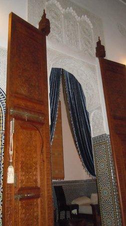 Dar Roumana: dining room