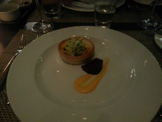 DoubleTree by Hilton Manchester Piccadilly: blue cheese tart with beetroot ..lovely