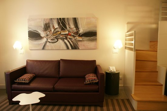Trevi Palace Luxury Apartments: Sitting Area