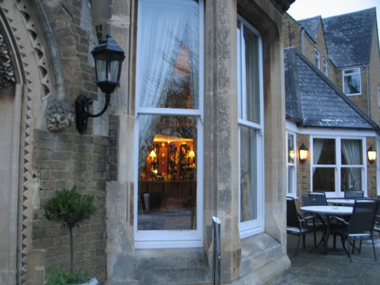 Cotswold Lodge Hotel: bar