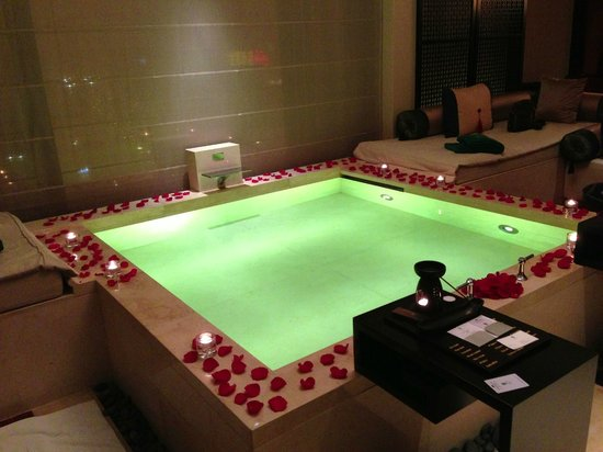 Banyan Tree Macau: the in room pool on our anniversary
