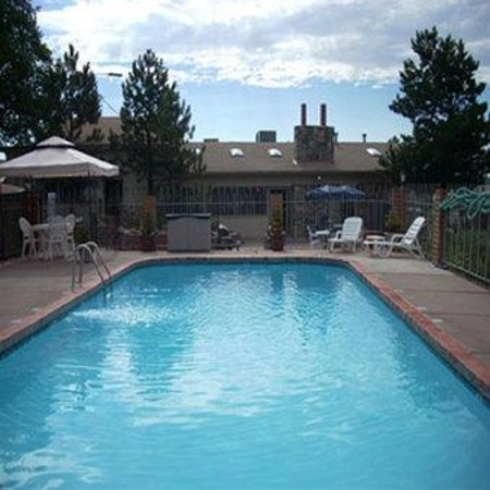 Hotel Aspen InnSuites Flagstaff / Grand Canyon: Flag Pool