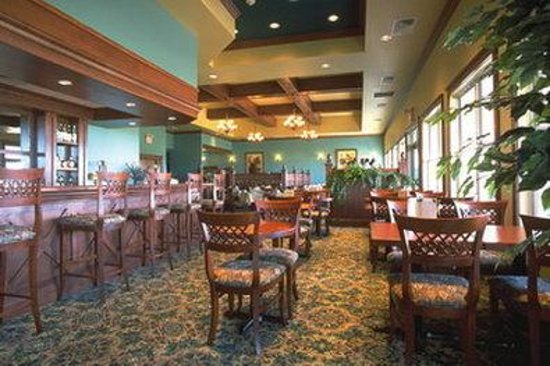 Rodd Crowbush Golf & Beach Resort: Rodd Crowbush Lounge Dining Room