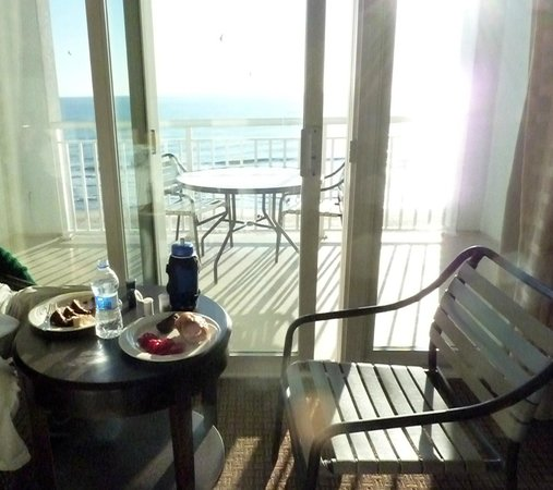 Hilton Suites Ocean City Oceanfront :                   Breakfast overlooking the sea