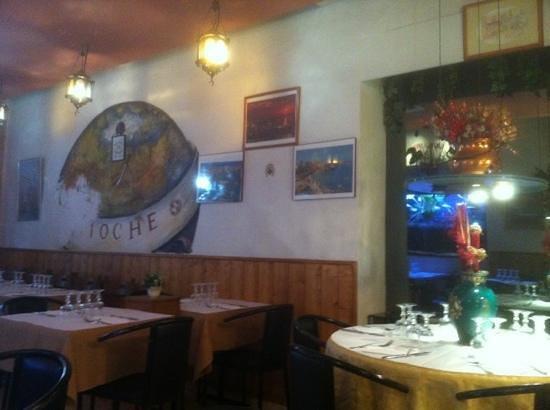 Antioche: déjeuner tardif= salle vide