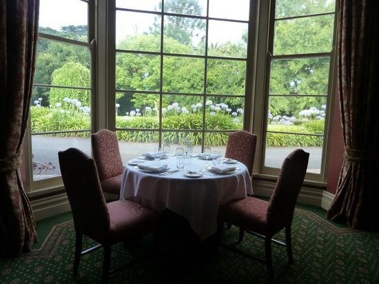 Chateau Yering Hotel: ディナー席 グループ