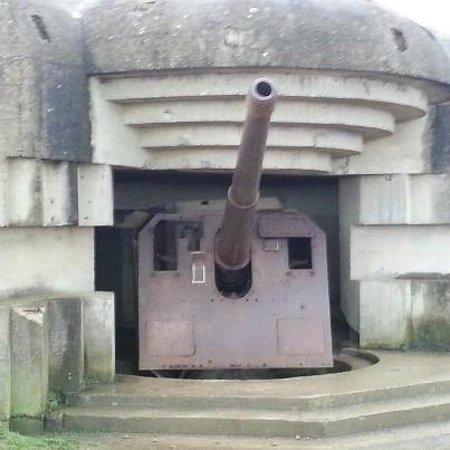 Mémorial de Caen :                   Gun Bunker