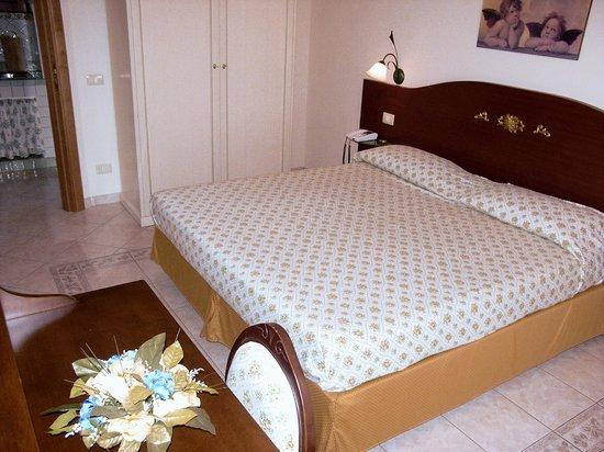Gran Residence Marisa: camera da letto