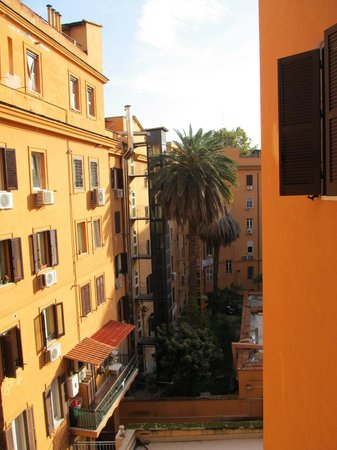 Cielo Vaticano Guest House:                   look from the window