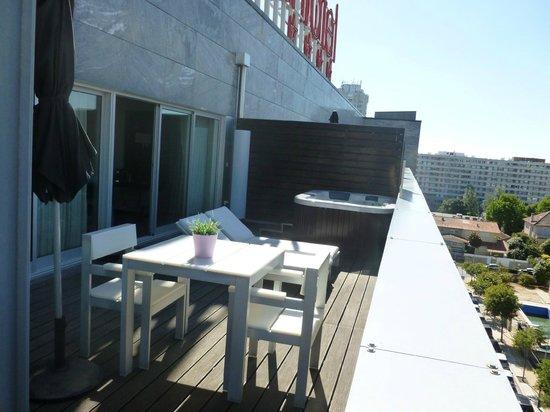 BessaHotel Boavista: Suite deluxe - Terrasse