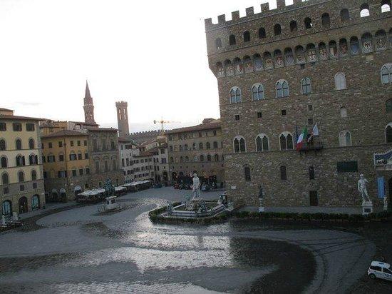 Soggiorno Antica Torre: Vue de la chambre