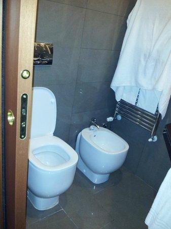 Demidoff Hotel: bagno