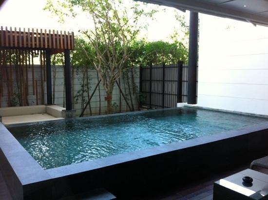 كيب نيدرا هوتل هوا هين:                   kamer bgg met eigen zwembad                 