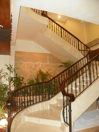 Hotel Presidente: Escalier central 