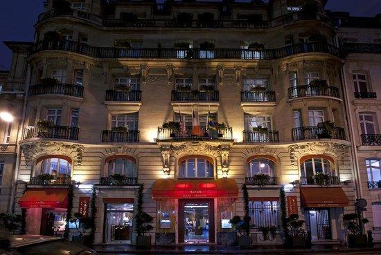 Hotel Astor Saint-Honore: Façade de l'hôtel la nuit