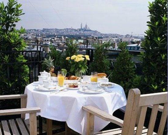 Hotel Astor Saint-Honore: Petit dejeuner dans la suite Gouvernor