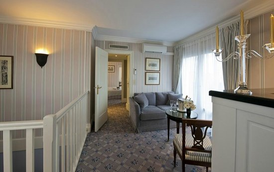 Hotel Astor Saint-Honore: Salon de la Suite Gouverneur