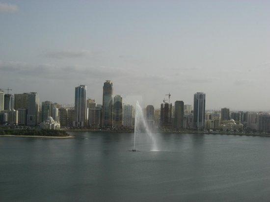 Hilton Sharjah:                   Ansicht aus dem Zimmer zum Creek