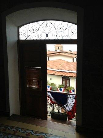Casa Antigua:                   balcony