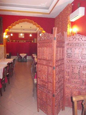 Ganesha India : gourm india - sala con paravento in legno