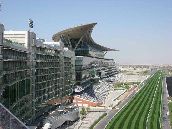The Meydan Hotel:                   Gesamtansicht