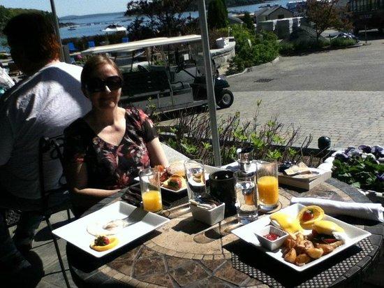 Harborside Hotel & Marina: Breakfast