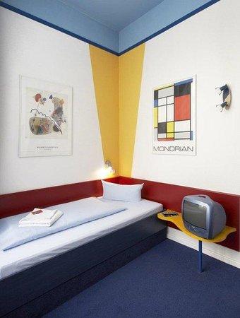 Art-Hotel Charlottenburger Hof: Room