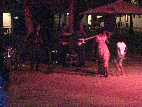 Voyager Beach Resort:                   a live band, evening entertainment