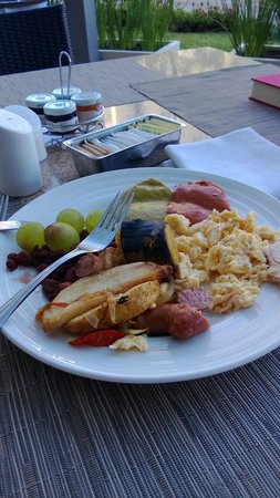 Real InterContinental Costa Rica at Multiplaza Mall:                   Breakfast