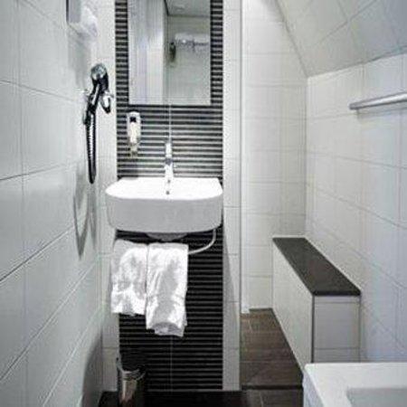 Hotel Amsterdam - De Roode Leeuw: Bathroom