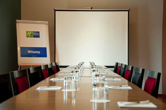 Holiday Inn Express Warsaw Airport : Meeting room for up to 16 persons