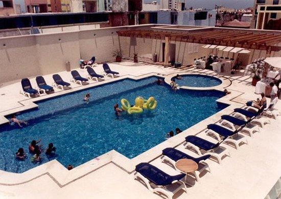 Rivoli Select Hotel: Pool view