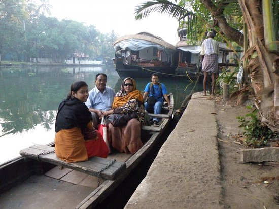Bamboo Lagoon Backwater Front Resort:                   You have take ths boat to reach the hotel