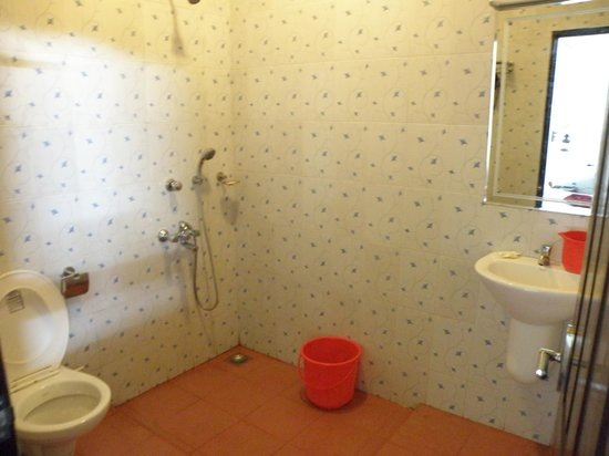 Bamboo Lagoon Backwater Front Resort:                   Standard Ac Toilet