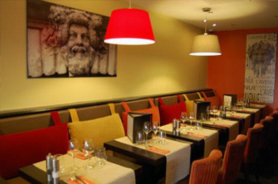 Hotel L'Avenue : salle de restaurant