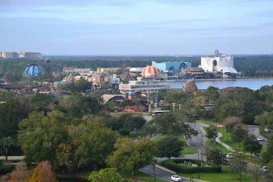 Holiday Inn Orlando – Disney Springs Area : Disney World from Hotel