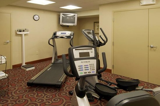 Hampton Inn Dubuque: Fitness Center