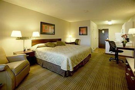 Extended Stay America - Chicago - Vernon Hills - Lake Forest: Ground Floor Guest Room