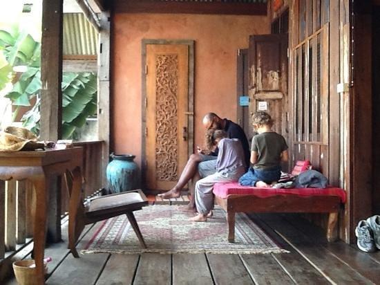 BaanBooLOo:                   den skønne veranda