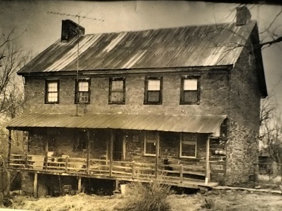 Mary-Penn Bed & Breakfast: What home looked like in early 1800's