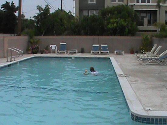 Days Inn and Suites:                   Pool