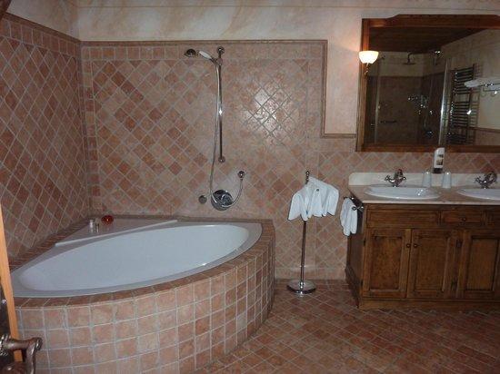 Hotel Gotisches Haus: ванная