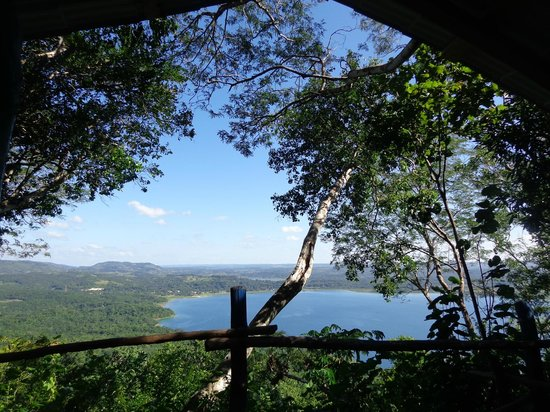 Cerro Biotope Cahui:                   View of the lake from the top