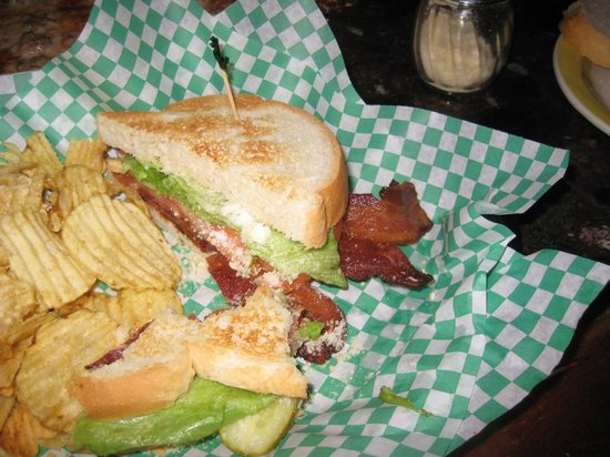 Tasty Pizza: Bacon Lettuce and Tomato sandwich Super portions of bacon